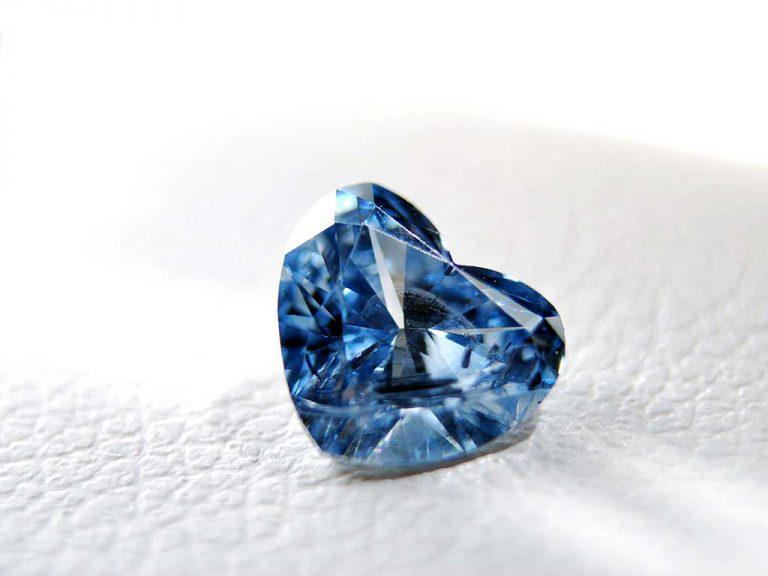 1 carat heart cut ash diamond / memorial diamond Algordanza