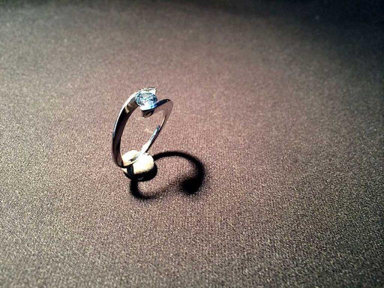 Ash Diamond Ring Algordanza Switzerland