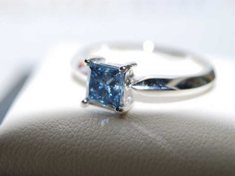 White Gold Ring Algordanza Switzerland Ash Diamonds